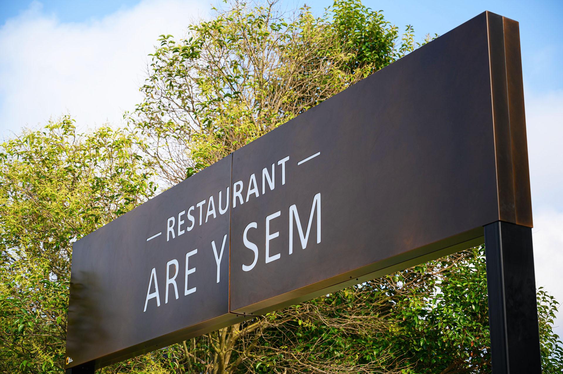 Restaurant are y sem 4