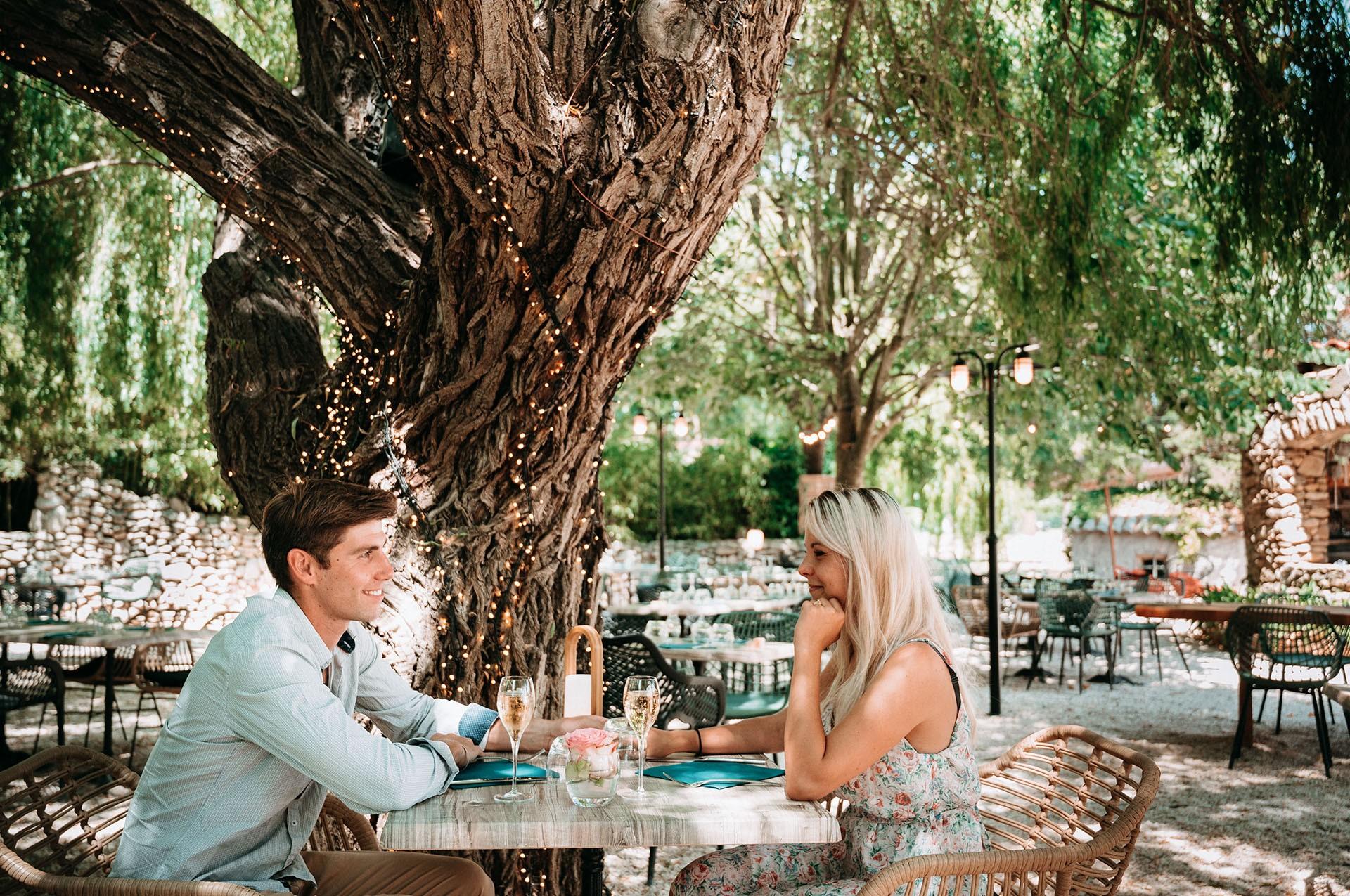 Arbor sens terrasse couple
